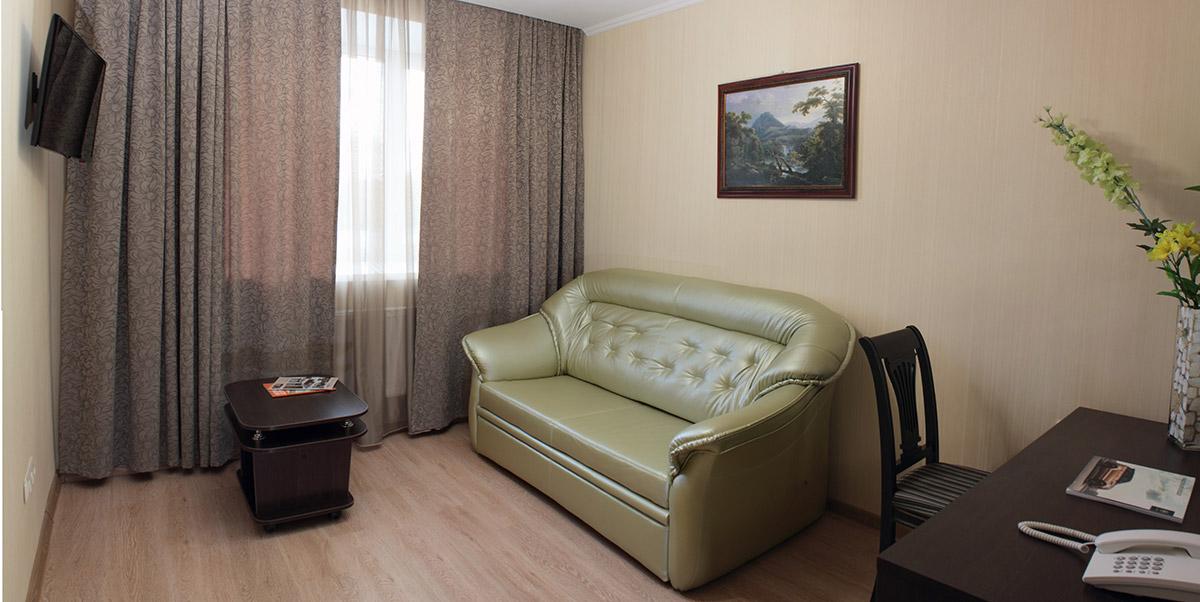 """Кристалл   - комфортабельные номера """"гостиная-спальня"""""""